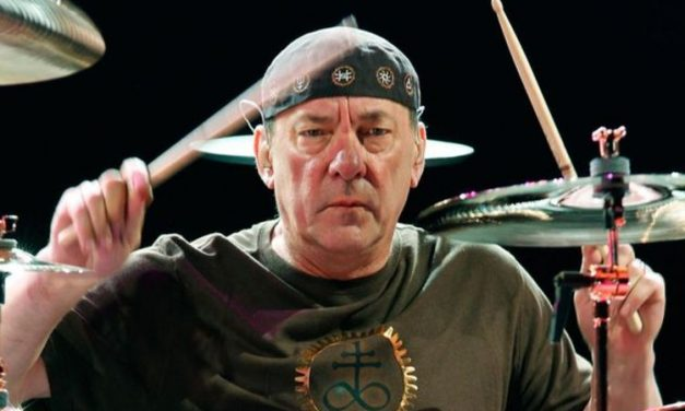 Neil Peart Drum Solo + Biografia do baterista do Rush